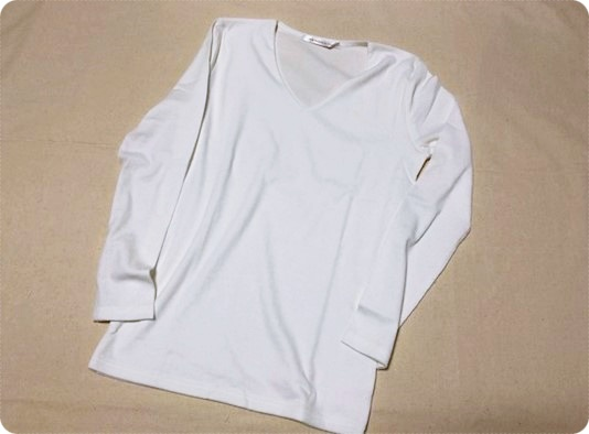 シンプル 長袖 白カットソー