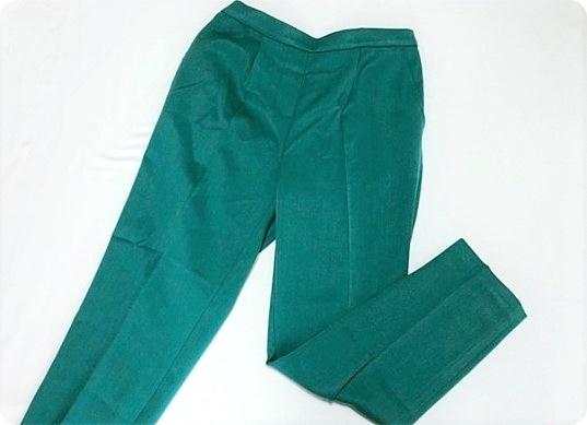 プチプラ カラーパンツ テーパードパンツ ピーコックグリーン