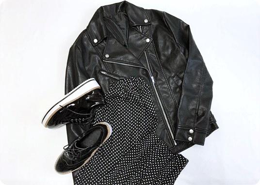 ファッションコーデ ライダース×ドット柄プリーツスカート
