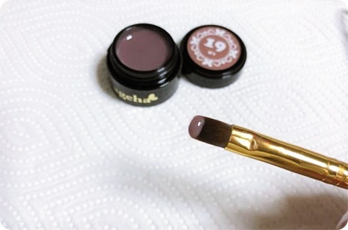 セルフジェルネイル カラーグラデーション ジェルの適用量