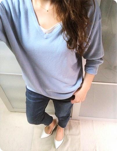 ファッションコーデ 春カラーニット ブルー