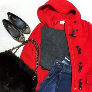 ファッションコーデ 赤ダッフルが主役のコーデ