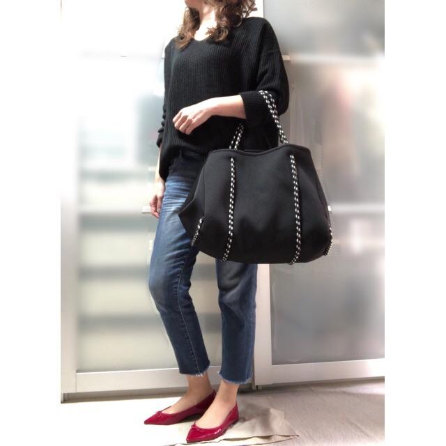 ファッションコーデ プチプラ titivate ゆるニット Vネックニット ブラック