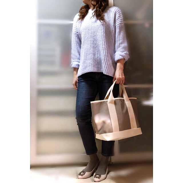 ファッションコーデ プチプラ GU 春色ニット ブルー