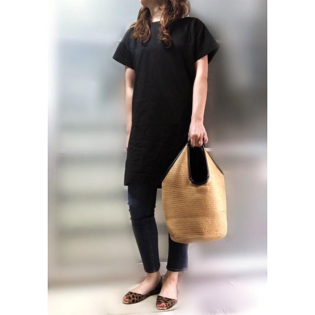 ファッションコーデ プチプラ チュニックTシャツ セパレートサンダル