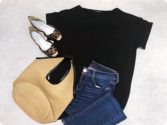 プチプラ チュニックTシャツ ファッションコーデ 置き画
